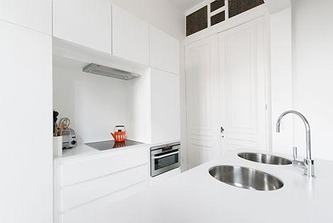 Binnenkijken in een minimalistisch appartement in een Art Nouveau herenhuis in Antwerpen / www.woonblog.be