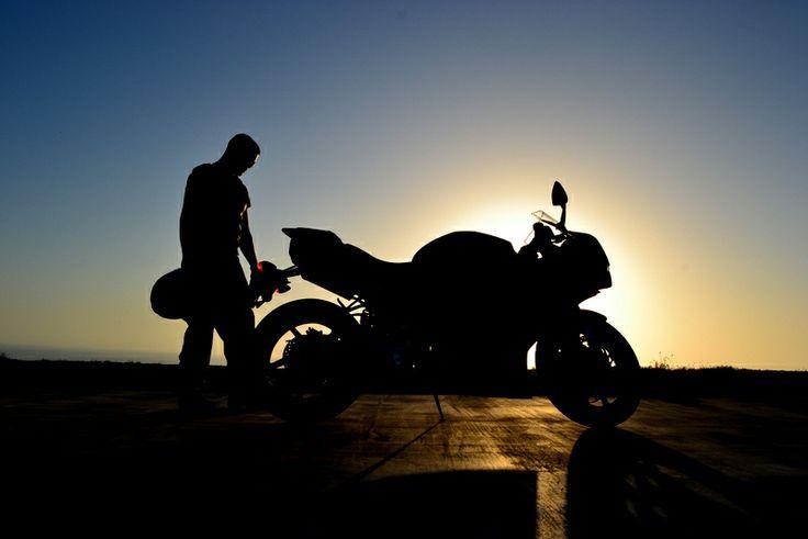 Ready to ride 2019 Yamaha R1 GSXR Girl Photography #photography #ready #yamaha