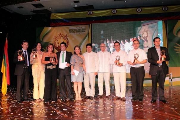 Premio nacional a la Responsabilidad Social Empresarial COMFAMILIAR 2011 - Powered by MODx
