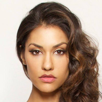 Janina Gavankar (The League True Blood FOX's Sleepy Hollow Far Cry 4) confirmed to be voicing Star Wars Battlefront II protagonist Iden Versio #Playstation4 #PS4 #Sony #videogames #playstation #gamer #games #gaming
