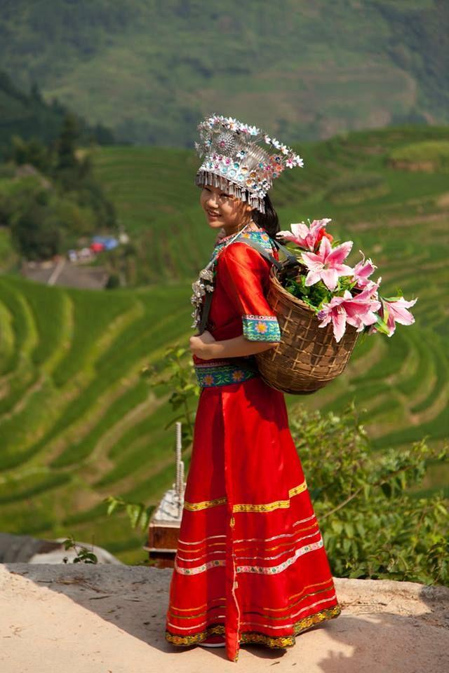 De #locals van #China ontmoeten tijdens een wandeling door de rijstvelden! #Ping'an