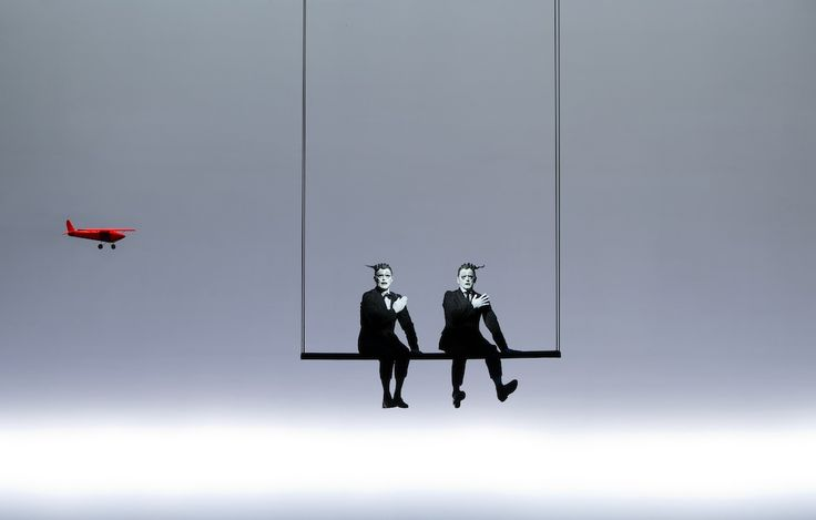 """Mikhail Baryshnikov and Willem Dafoe em """"The Old Woman"""" - """"A Velha (Foto: Divulgação)"""