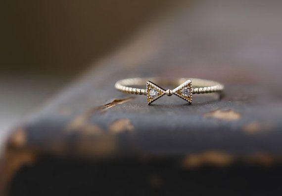 ✨ Muy hermosa! Absolutamente impresionante! Muy hermosa! Dulce y lovely✨ es muy conveniente para una fiesta o una ocasión de la boda, también es adecuada como un anillo de cercanías cuando estás de buen humor.  Si usted necesita otro tamaño por favor dígame, y este anillo tendrá 15 días para hacer (sí, mucho tiempo que el anillo de diamante, yo soy también muy helpless😥). .    【 brevemente material: oro 14k con incrustaciones de circón Checa   【Size】: el diámetro del arco es sobre 7.8X4mm…
