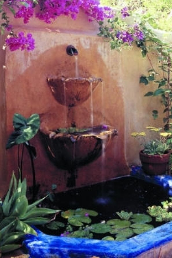 Mexican inspired fountain in Scotts Valley, California • designer: Kathleen Shaeffer of Great Gardens in Santa Cruz, CA • photo: Thomas J. Story on Sunset
