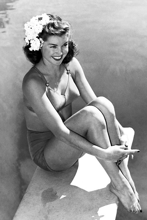 Vintage hairstyles  Esther Williams, 1939
