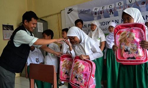 SD Muhammadiyah 4, Dapatkan Bantuan 65 Paket Pendidikan dari ACT dan Nike