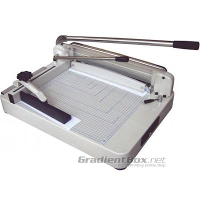 Alat Potong Kertas Manual 868 berkapasitas sampai 400 lembar sekali potong.