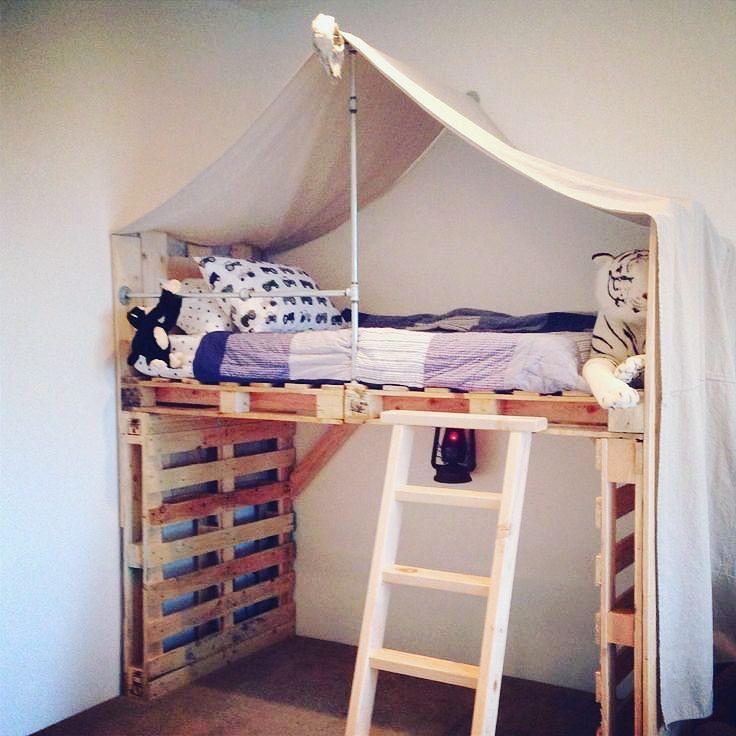 17 Best Ideas About Pallet Loft Bed On Pinterest College