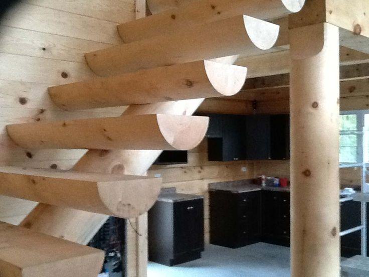 Les 25 meilleures id es de la cat gorie chalet en bois for Plan de maison bois rond