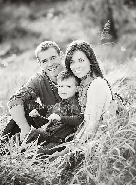 Black and White Family Photo. I want a black and white family photo so bad! Need to do these soon we keep putting them off...maybe in the spring :)