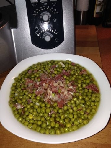 Una deliciosa receta de Guisantes con jamón para #Mycook http://www.mycook.es/receta/guisantes-con-jamon-2/