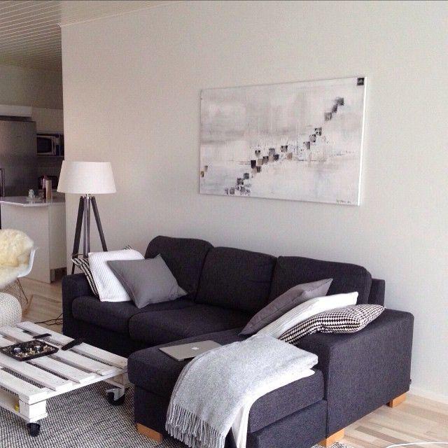 Asiakas lähetti kuvan. #taulu#upeakoti#taide#sisustus#olohuone#olohuoneensisustus#isotaulu#skandinaavinen#art#painting #interior #livingroom #home#scandihome#finnishhome#etuovisisustus