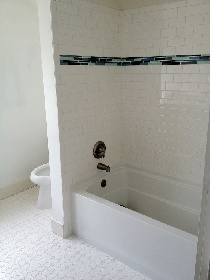 Subway Tile Walk In Shower | Subway Tile With Glass Tile ...