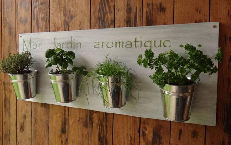 17 meilleures id es propos de jardins d 39 herbes verticaux sur pinterest jardini res de - Petit jardin aromatique ...