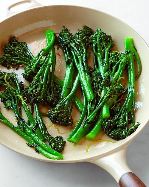 Broccolini with Lemon: Chocolates Trifles, Lemon Broccolini, Lemon Recipe, Ms Broccolini, Asparagus Food, Big Bowls, Broccolini Chee, Favorite Vegetables, 3 4 Cups