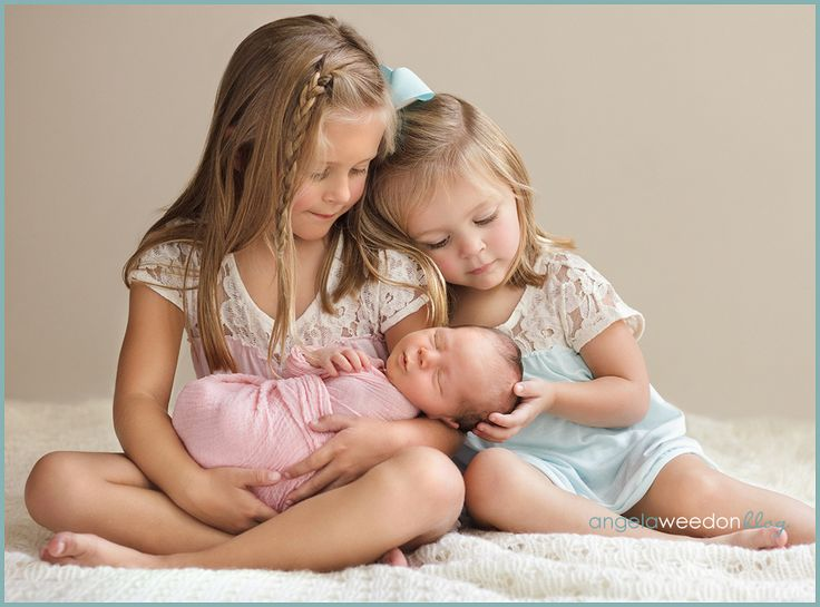 This melts my heart, but I was afraid to pin it cause the thought of having 3 girls (though gorgeous girls) is one expensive and scary thought.--thankfully the baby is a boy