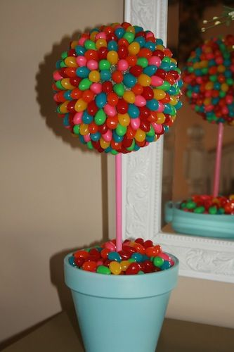 Cute candy center piece idea and other DIY decor idea for the home :)