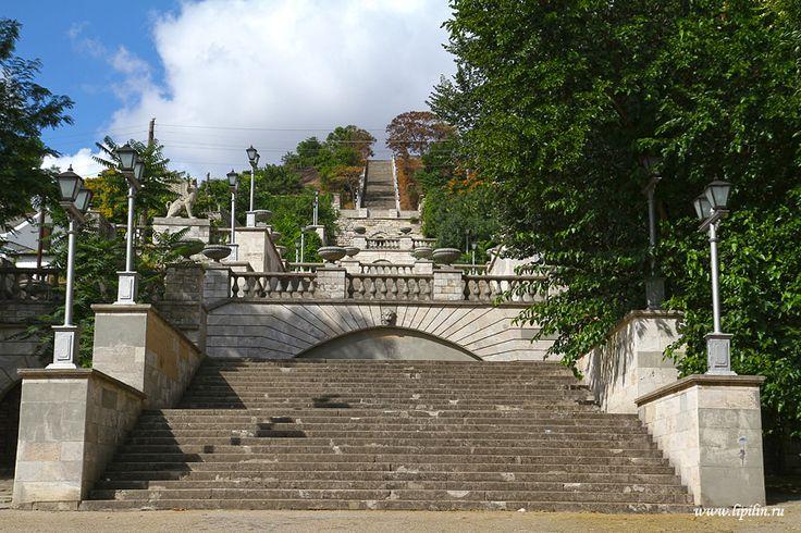 Реконструкция Митридатской лестницы в Керчи начнётся уже в этом году | Вести Крыма++