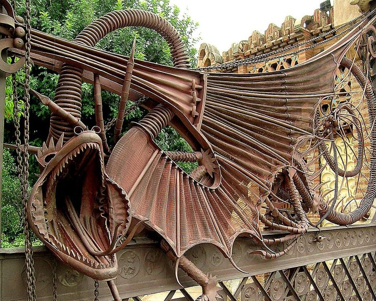 Gaudi obras principales buscar con google arquitectura for Barcelona jardin gaudi