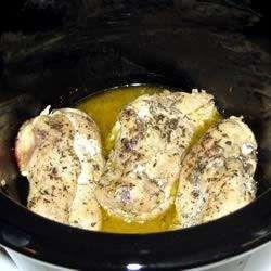 Pollo con ajo y limón en olla de cocción lenta