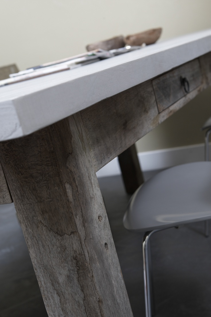 Unieke Tafel Van Steigerhout Met Betonlook Tafelblad Www