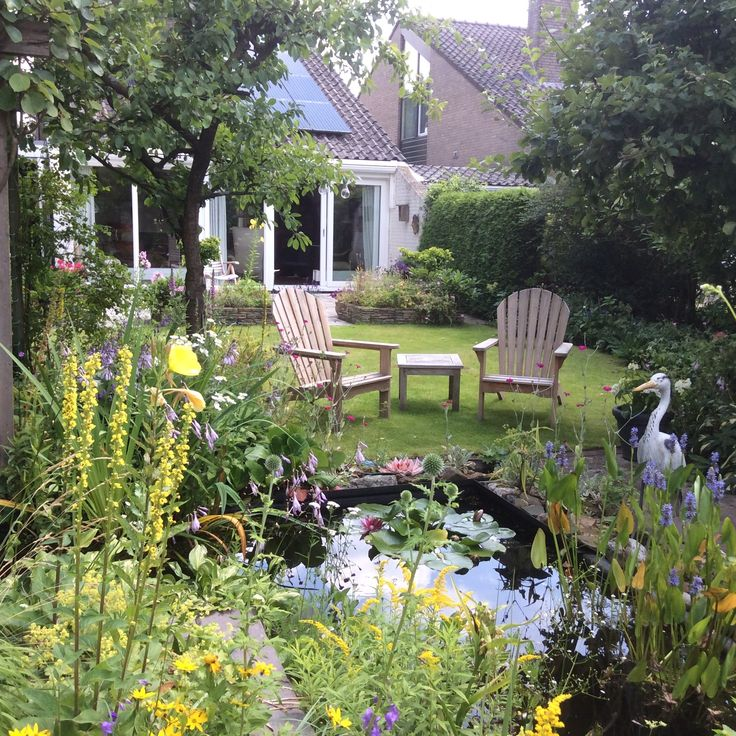 95 best tuinstoel inspiratie kees smit tuinmeubelen for Gekleurde tuinstoelen kunststof