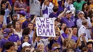 The 'We Want Bama' signs are out at Washington vs USC's College GameDay show