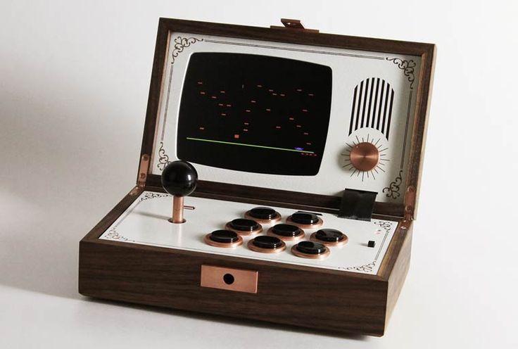 Bornes d'arcade vintage et téléphone LEGO – Les superbes créations de Love Hultèn