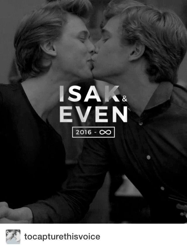 """In another place in the universe, we are together for eternity. Remember that."" #skam#evak#isakandeven#isakvaltersen#evenbechnæsheim#tarjeisandvikmoe#henrikholm#tarjei#henrik"