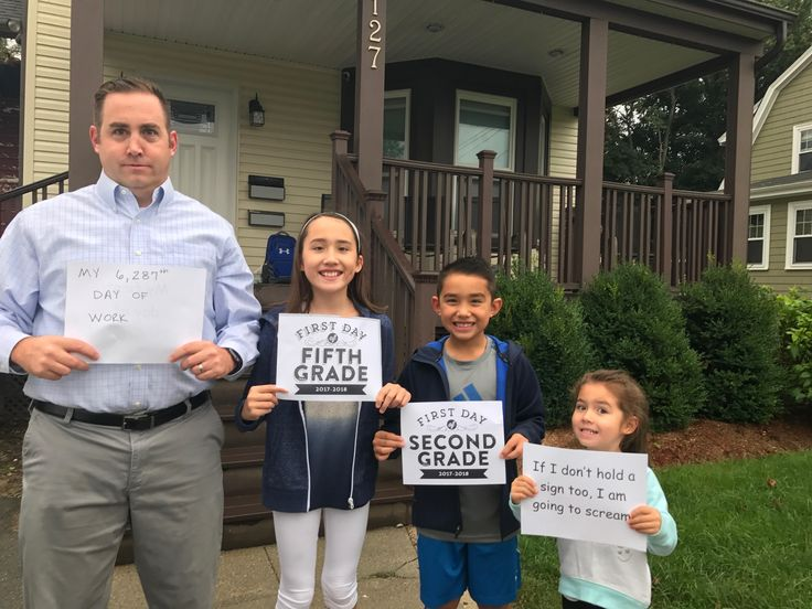 This Family's Back-To-School Photo Became an Internet Sensation - A family posted their back-to-school photo. And while it was hilarious to begin with, the people of the Internet have decided to up the humor.