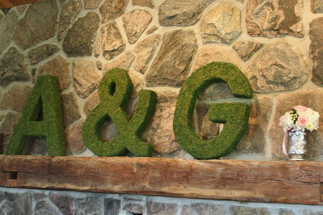 diy-moss-covered-letters-wedding
