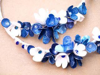 Στέφανα Γάμου με Κουκούλι και Μετάξι   Ατλάζι μεταξωτό στη βάση με μπουκέτο Λουλουδιών σε μπλε-σιέλ φυσικές αποχρώσεις!!!!   Καλοκαίρι...