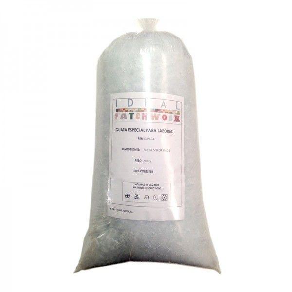 Relleno de algodón sintético de alta calidad y suave al tacto. 100 % poliéster. Hipoalergénico, antiestático y antibacteriano. Sevende en bolsasde 250gr. La imagen puede diferir del original.