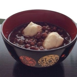 小豆を洗って圧力鍋で煮るだけですぐにできあがり♪前もって水につけておく必要が無いので、思い立ったらいつでも作れます。 http://www.recipe-blog.jp/profile/89199/blog/13946294