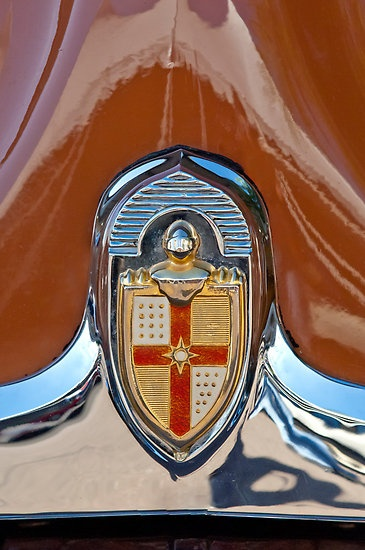 1949 Lincoln 2 Door Coupe Emblem