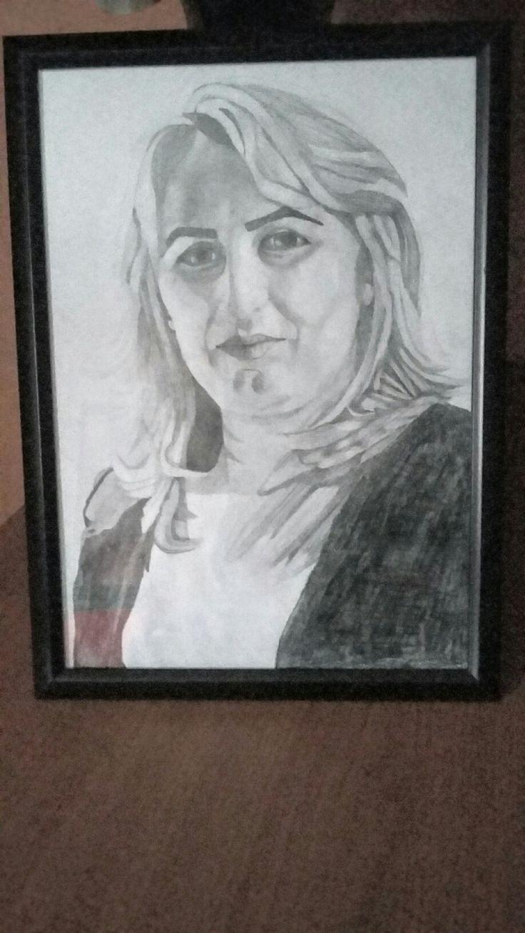 Portret in creion si carbune