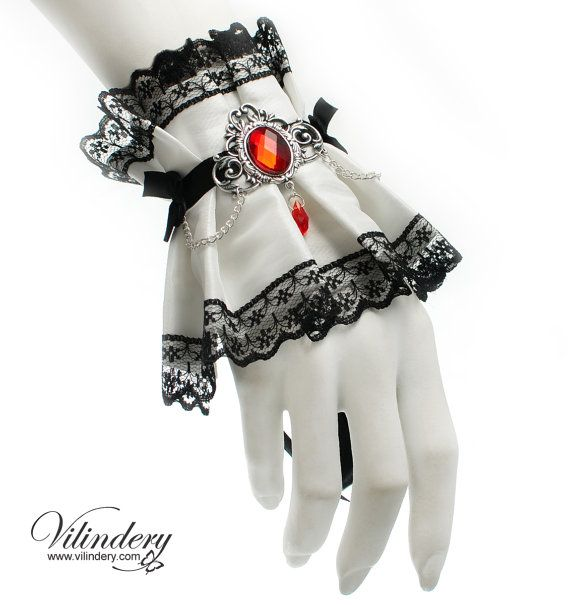 Winter vampire cuff with a silver plated cameo and от Vilindery