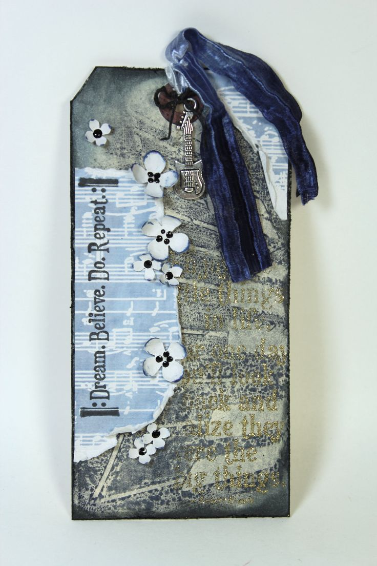 Quick Mixed Media Tag - #ClubScrap by Julie Heyer