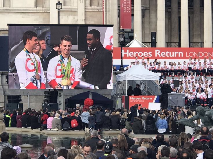 "Team GB on Twitter: ""It may be the heroes parade but there's still no escaping the Trafalgar Square pigeons for @TomDaley1994 #GBHeroesLDN https://t.co/nLAIfL80G4"""