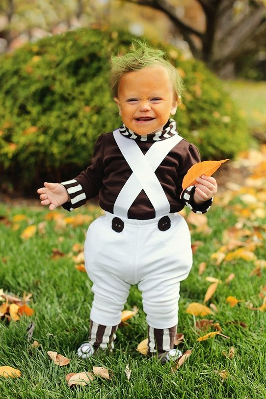 Don't you just love this Oompah Loompah costume? Would make for one cool Halloween project!