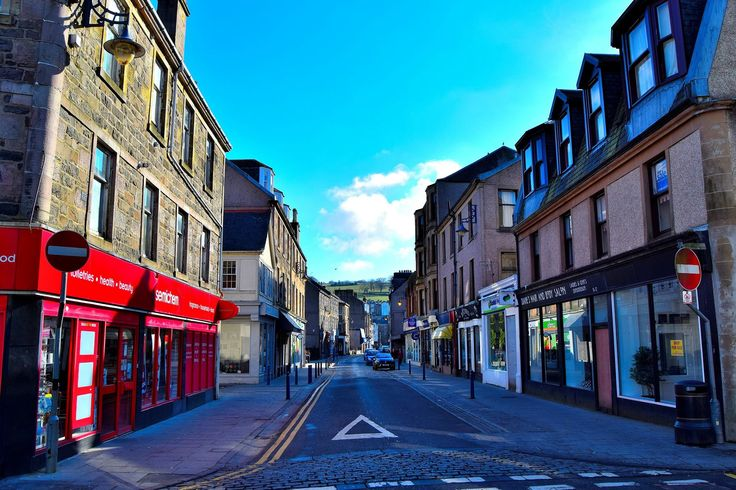 Montague Street, Rothesay, looking east. Photo by John Lyle and uploaded by Bute Island Radio.