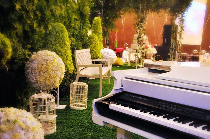 Shella Sweet 17 Party decoration #party #decoration #deco #hotel #celebration #piano #teatime #gardenparty