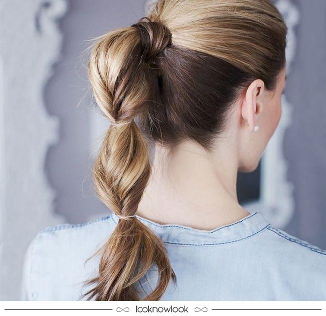 Inspiração linda e super fácil de penteado! O rabo de cavalo ganhou um charme extra com os elásticos, que formam volumes no comprimento. O acabamento fica perfeito graças à mecha cobrindo o elástico.  #cabelo #penteado #inspiração #beleza #beauty #hair #hairstyle #dica #lnl #looknowlook