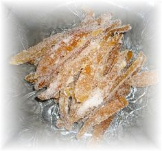 O toronja cristalizada........... He leído muchas versiones, pero ésta fué la más sencilla para hacer. Para ésta receta puedes util...