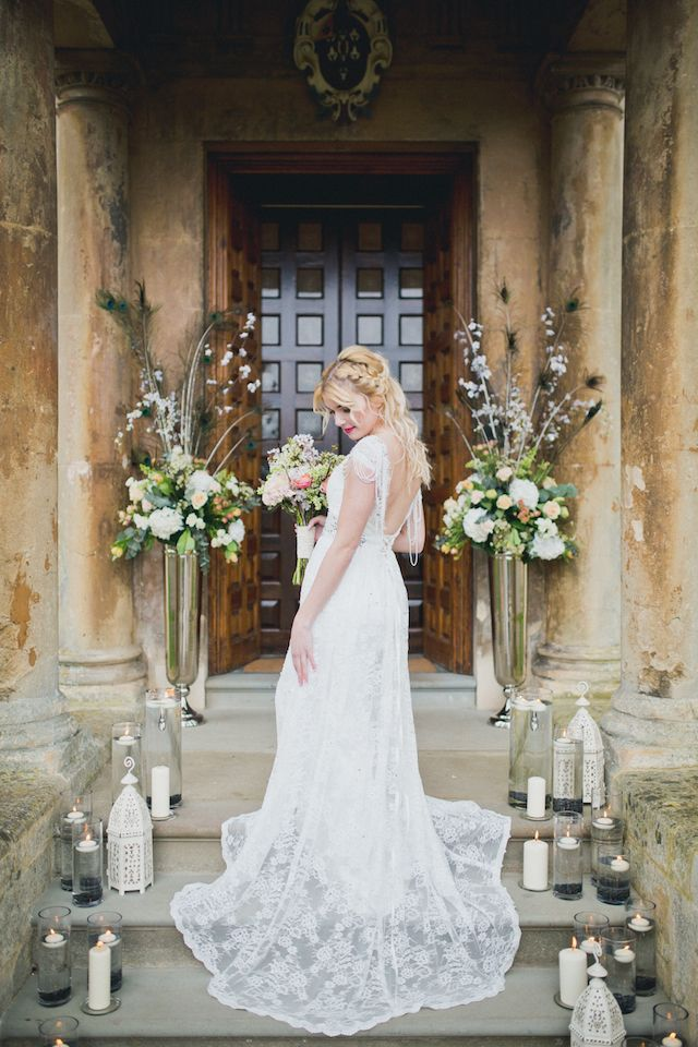Eclectic wedding at historic manor house | Laura Power Photography | see more on: http://burnettsboards.com/2014/07/eclectic-wedding-historic-manor-house/