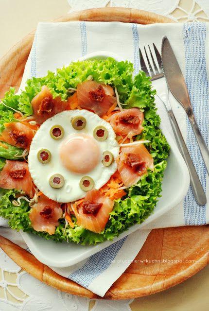 Salad with smoked salmon and egg | Salads | Pinterest