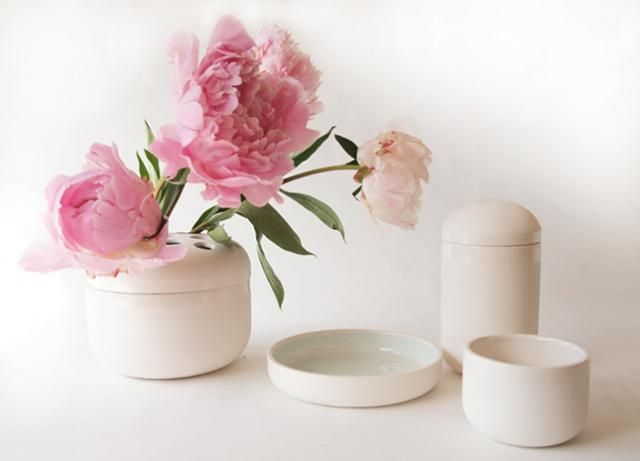 I love pink flowers :-): Object Pools, Pink Flowers, Vase Sets, Accessories Design, Fleet Object, Baby Pink, Ceramics Bowls, Pink Peonies, Peonies Flower