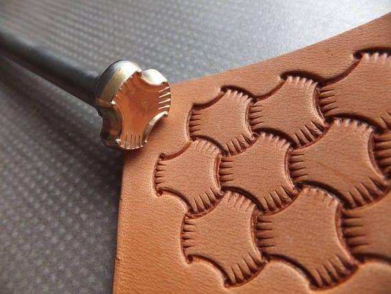 013-06 3D verknotete Leder Riemen handgemacht Stempel Biker