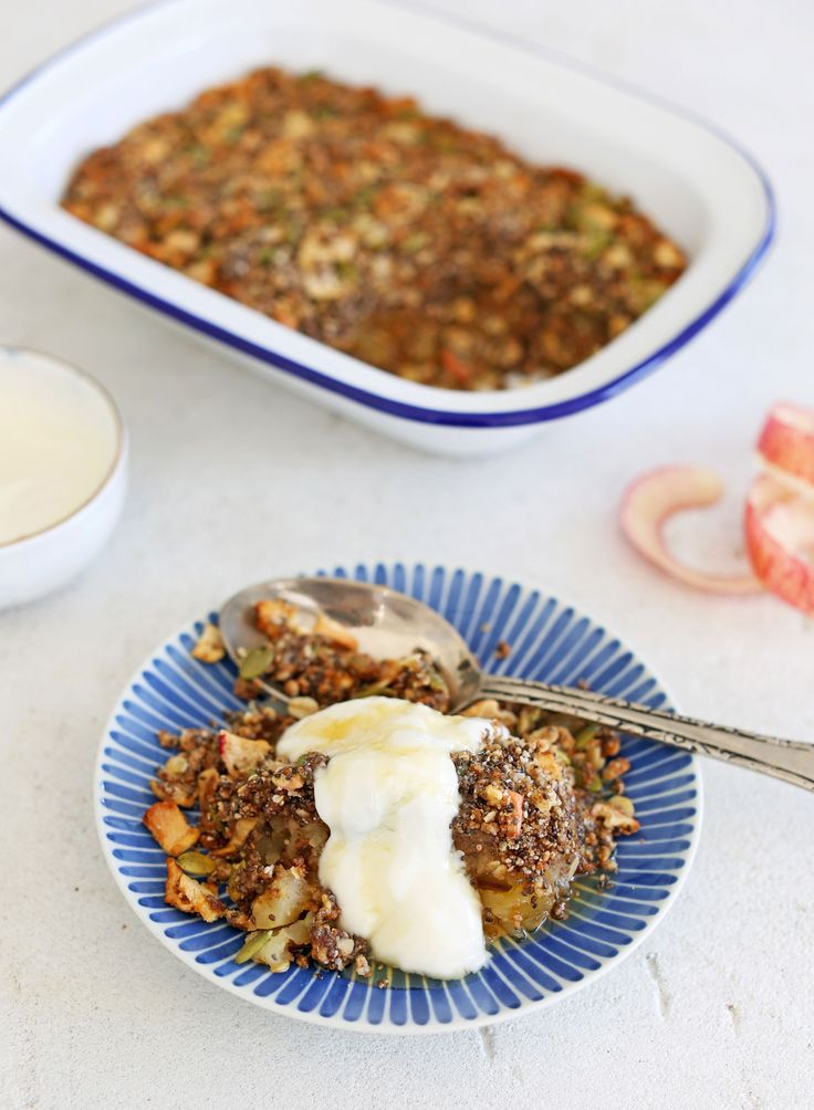 I made this mini crumble so long ago after a few requests for an oat free one and I forgot how much I enjoyed it until we remade it last week.