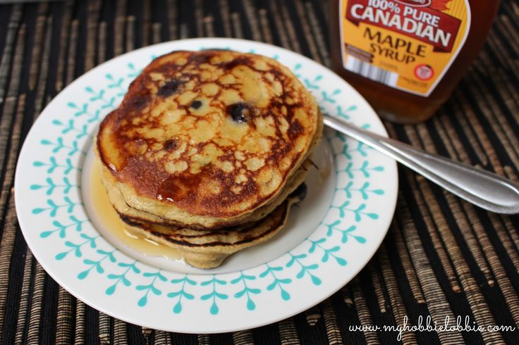 Banana Oat Blueberry Pancakes - These pancakes are a great way to use up over ripe bananas. This uses oats and doesn't use refined flour or refined sugar.